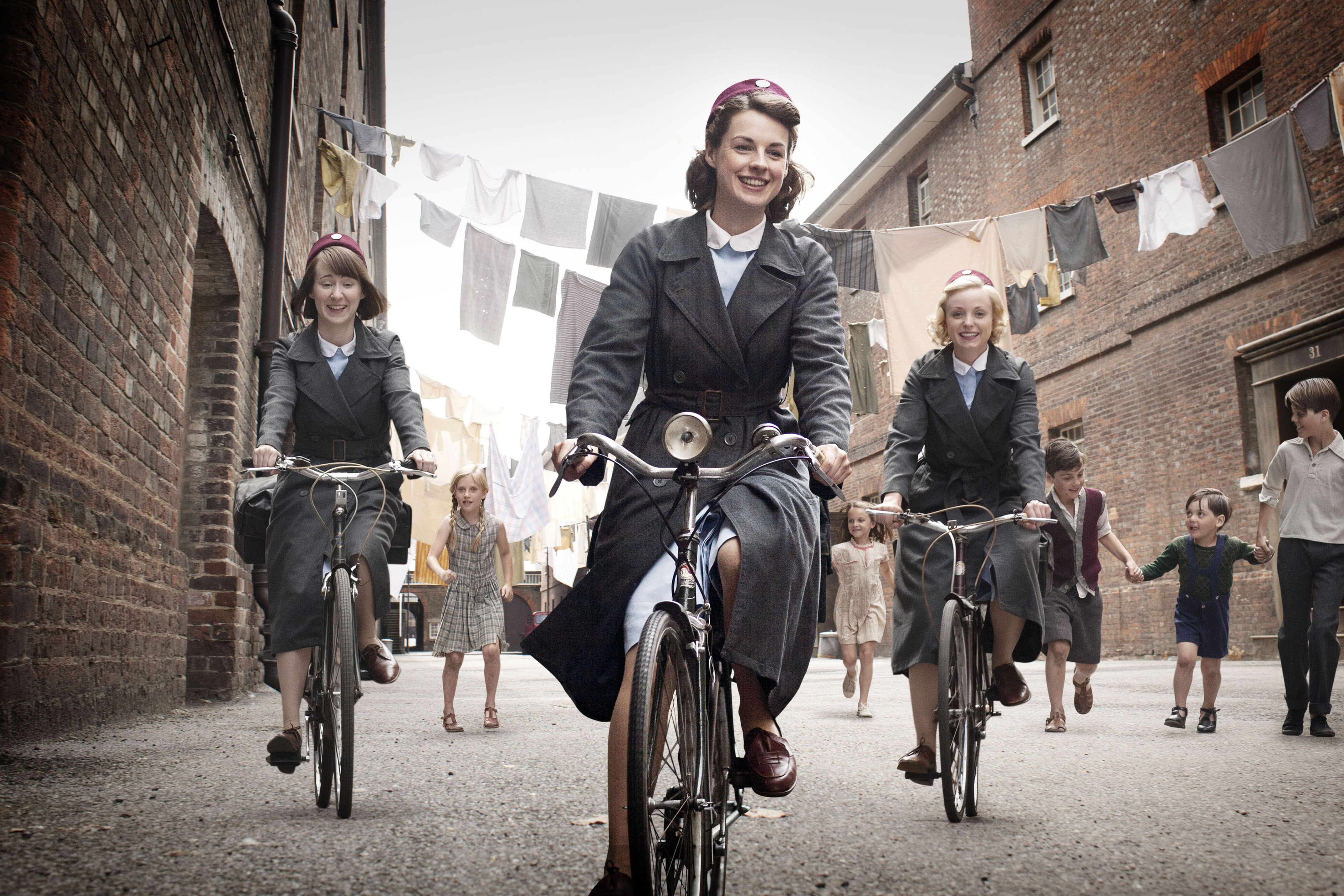 Chatham Historic Dockyard and 'Call the Midwife' Tour